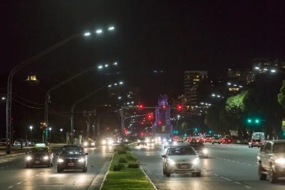 Luminarias inteligentes: bajó de 22 a 4,5 días el tiempo de reparación en Buenos Aires